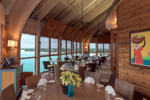 Abaco-Club-Cliff-Side-Room-Dining(1)